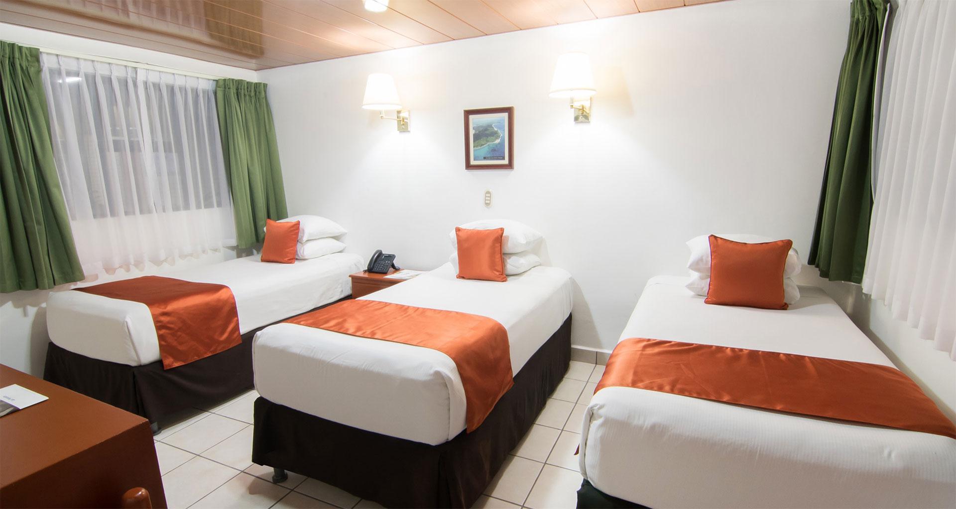 Habitación Triple. Hotel best Western Las Mercedes, Managua